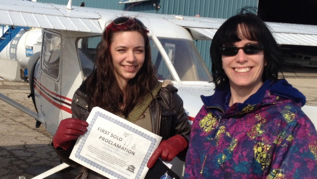 (left to right) First-to-Solo Challenge Winner, Lindsay, and her instructor, Sandra